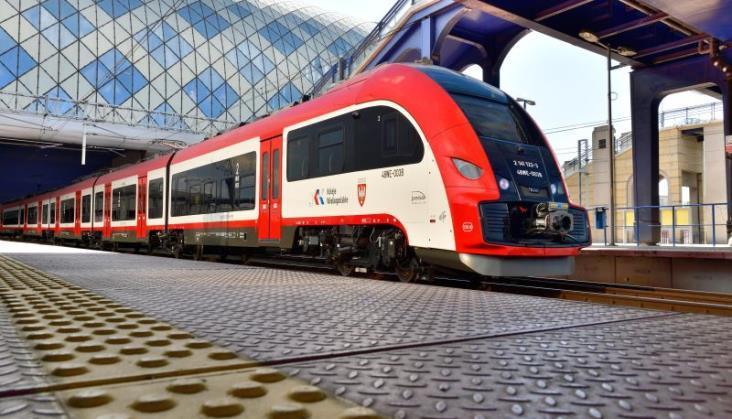 Wielkopolska przesuwa termin dostawy pociągów z Pesy dzięki Tarczy Antykryzysowej
