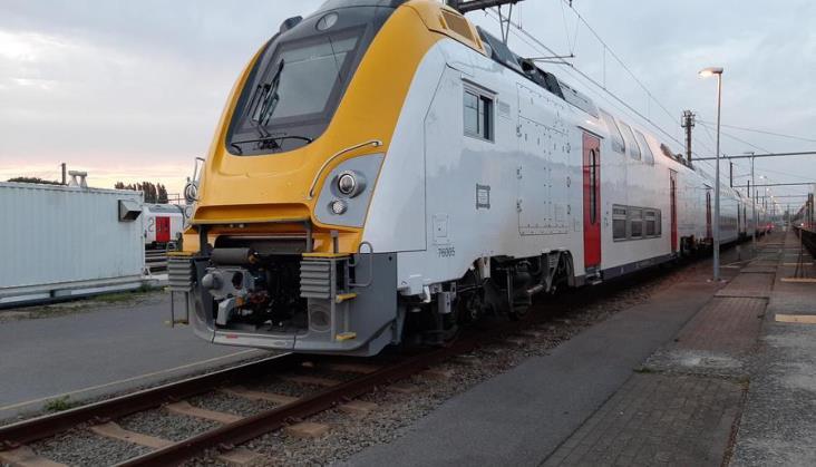 Koronawirus (i nie tylko) opóźnia dostawy piętrowych zestawów dla Kolei Belgijskich