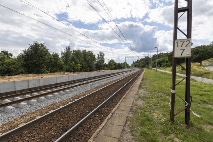 Kolejny etap modernizacji linii 25. Autobusy zamiast pociągów ze Starachowic do Ostrowca [zdjęcia]