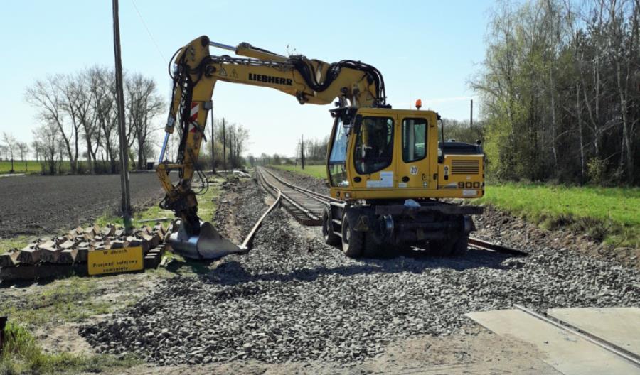 Prace utrzymaniowe na odcinku linii 206  Dziarnowo – Wapienno [zdjęcia]