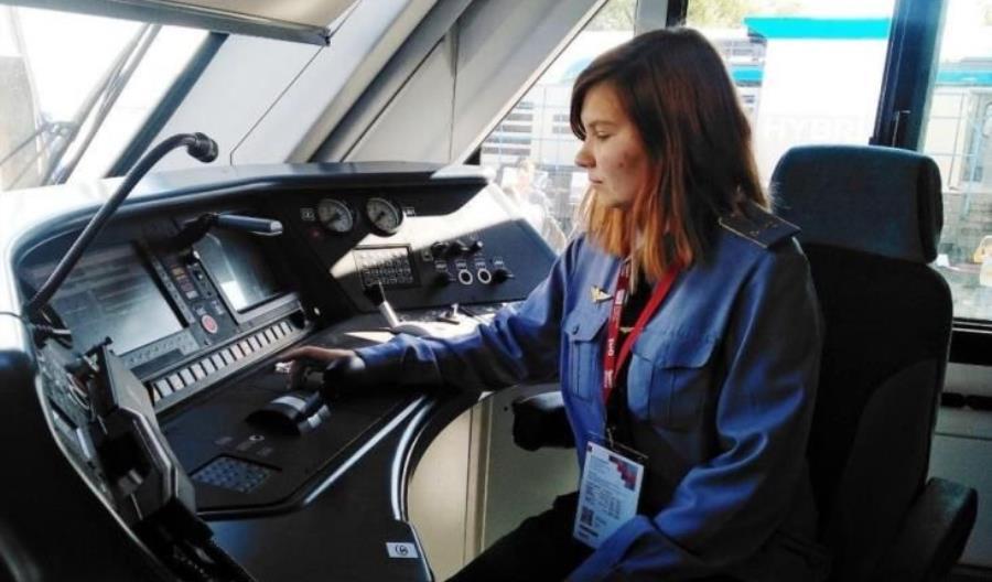 Rosja: Pierwsza kobieta za nastawnikiem pociągu