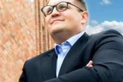 Dąbrowski: Nasze jonizatory są bezpieczne dla pasażerów w pociągach, tramwajach, autobusach i samolotach