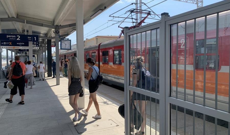 Trzeci peron w Rzeszowie Głównym będzie gotowy jeszcze w sierpniu [zdjęcia]