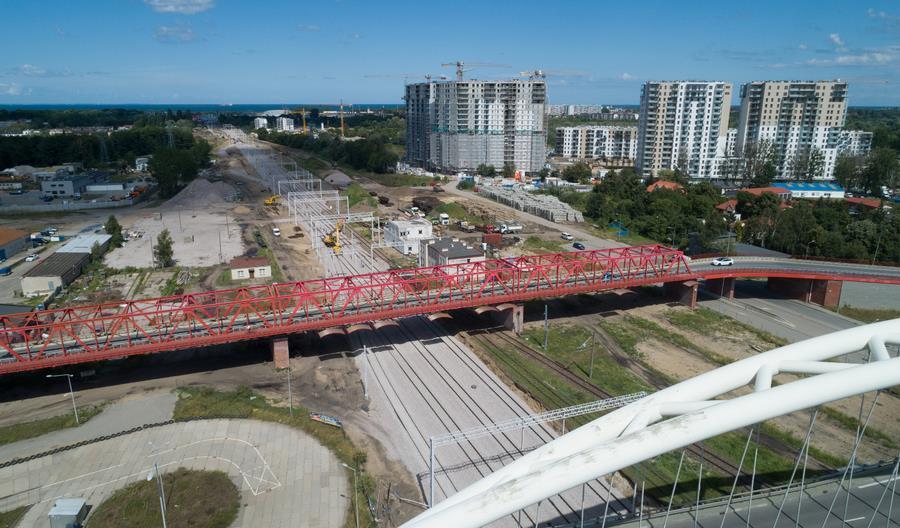 Postępuje modernizacja kolejowego dojazdu do trójmiejskich portów [zdjęcia]