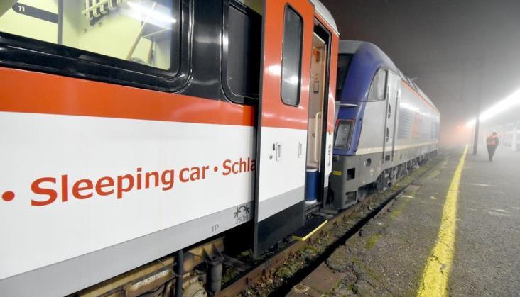 Pociąg widmo z Wrocławia do Wiednia. Trudno dojechać nim tam, gdzie się zatrzymuje