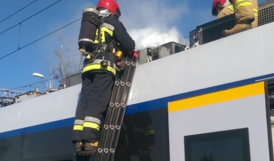 """Problemy w IC Panorama. Pasażerowie opuścili skład, awaria Darta """"niewielka"""""""