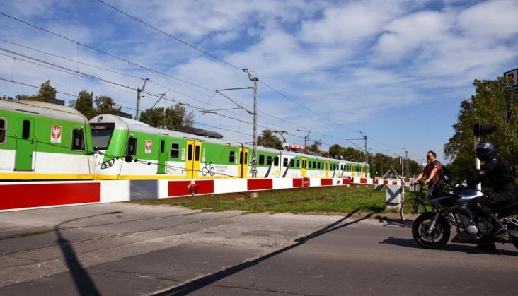 PLK: W wakacje było osiem razy mniej ofiar wypadków na przejazdach