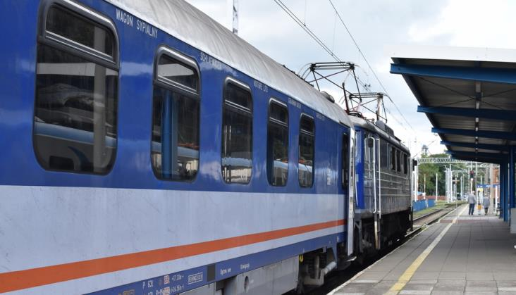Ile wagonów sypialnych i kuszetek kursuje w pociągach PKP Intercity?