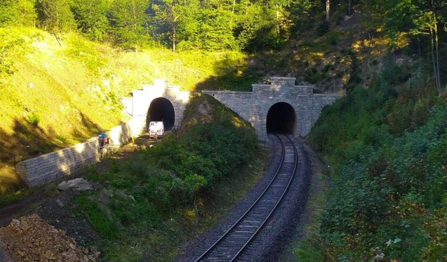 Remont najdłuższego tunelu w Polsce ma się zakończyć w październiku