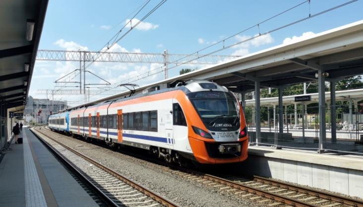 PKP PLK: 130 mln zł utraconych przychodów z powodu odwołania pociągów