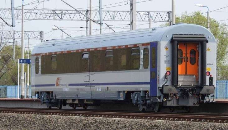 FPS przekazał PKP Intercity pierwsze dwa wagony restauracyjne