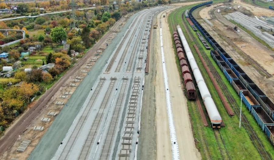 Trwa układanie nowych torów do portu w Gdyni