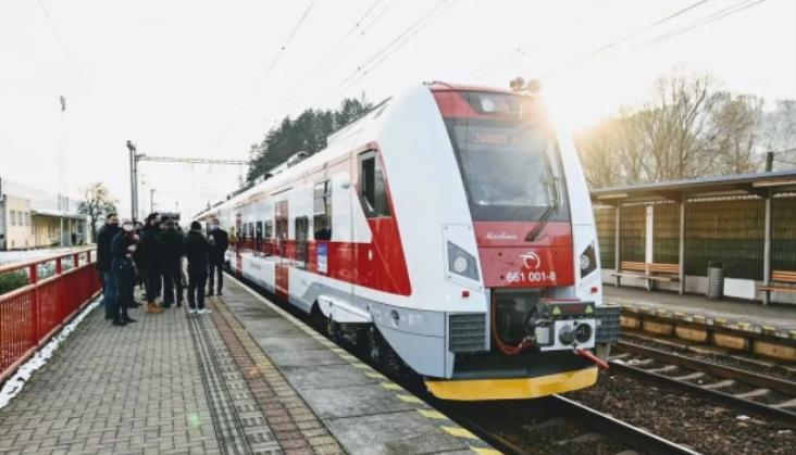 Słowackie Pantery już wożą pasażerów. W pierwszy kurs pojechały do Polski