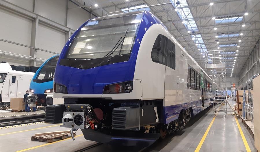 Pierwszy nowy pociąg Flirt dla PKP Intercity zestawiony