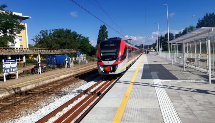Łódź: Różna wysokość peronów na modernizowanych przystankach
