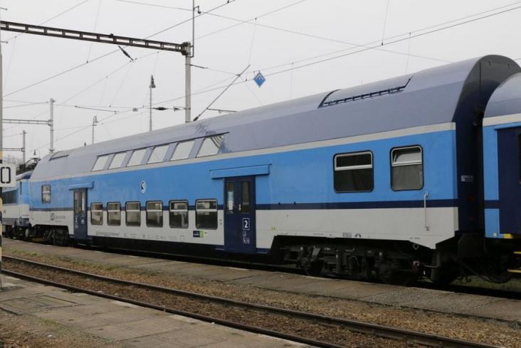 Koleje Czeskie modernizują swoje wagony piętrowe z lat 70.