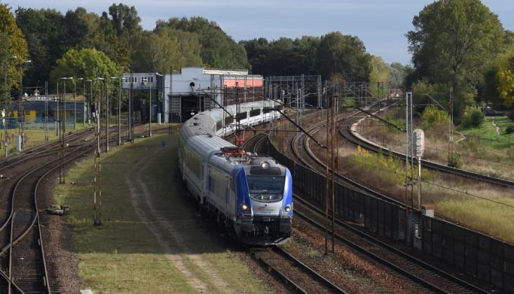Setka lokomotyw, tysiąc wagonów, piętrusy. Bonanza w PKP Intercity