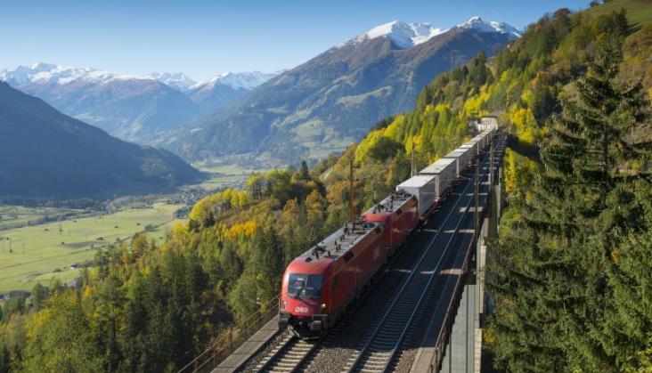"""ÖBB Rail Cargo Group przechodzi na """"zieloną"""" energię"""