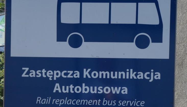 Następstwa wykolejenia pociągu pod Porajem będą likwidowane do 5 lutego