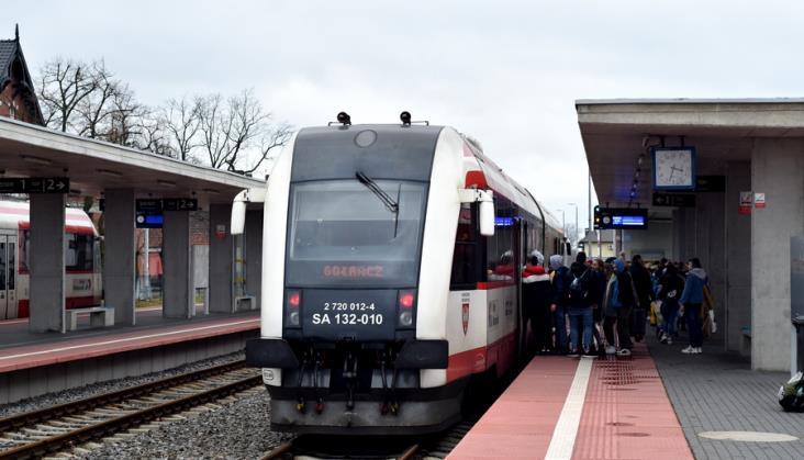UTK policzył, ilu pasażerów korzystało ze stacji kolejowych przed pandemią