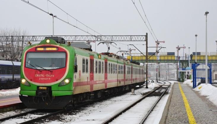 Zamieszanie rozkładowe na Podlasiu. Wykonawca Rail Baltica nie wyrobił się z pracami