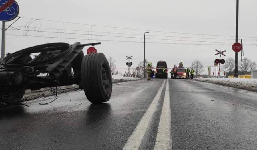 Wypadek z pociągiem PKP IC na przejeździe koło Grajewa