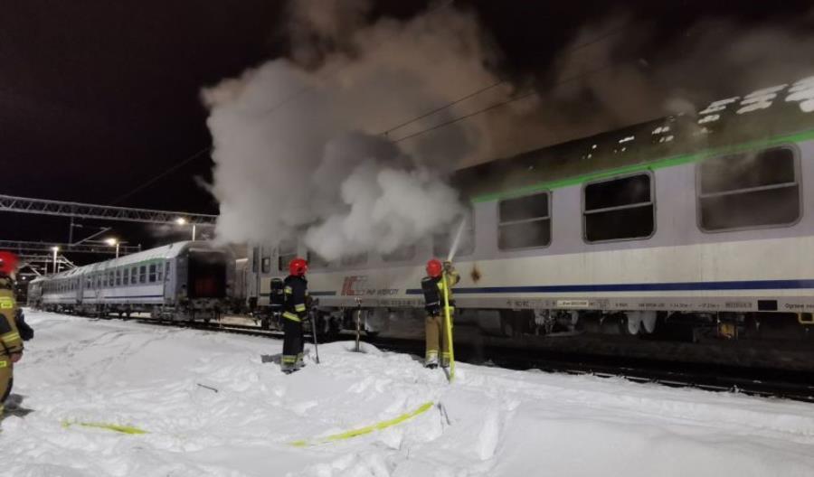 Spłonął wagon PKP Intercity w Kołobrzegu [zdjęcia]