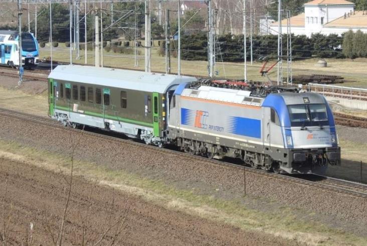 Wojskowe wagony PKP IC na testach w Żmigrodzie [zdjęcia]