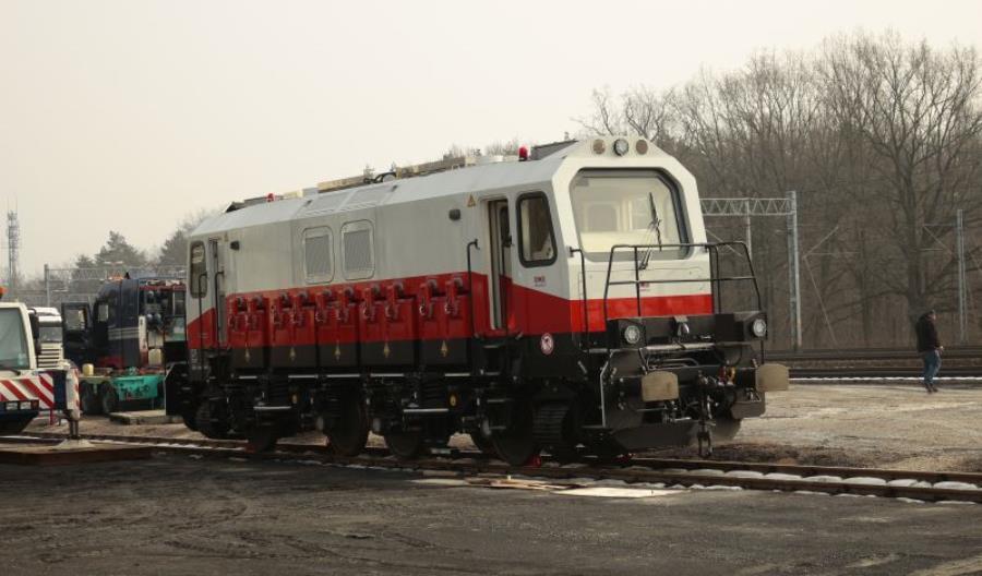 W Polsce powstała nowa lokomotywa manewrowa na akumulatory!