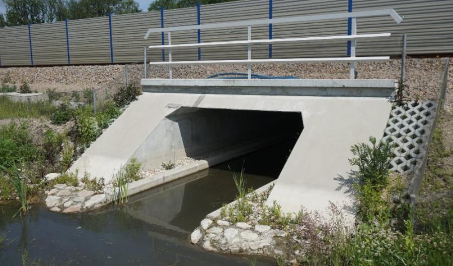 Ponad 100 przejść dla zwierząt na torach i mostach zbudowały PKP PLK