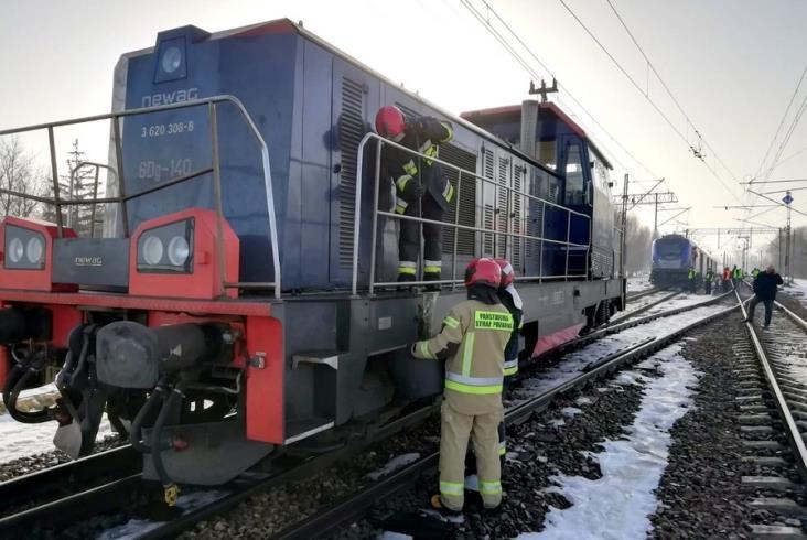 Pociąg PKP Intercity zderzył się z lokomotywą. Pięć osób lekko rannych [aktualizacja, zdjęcia]