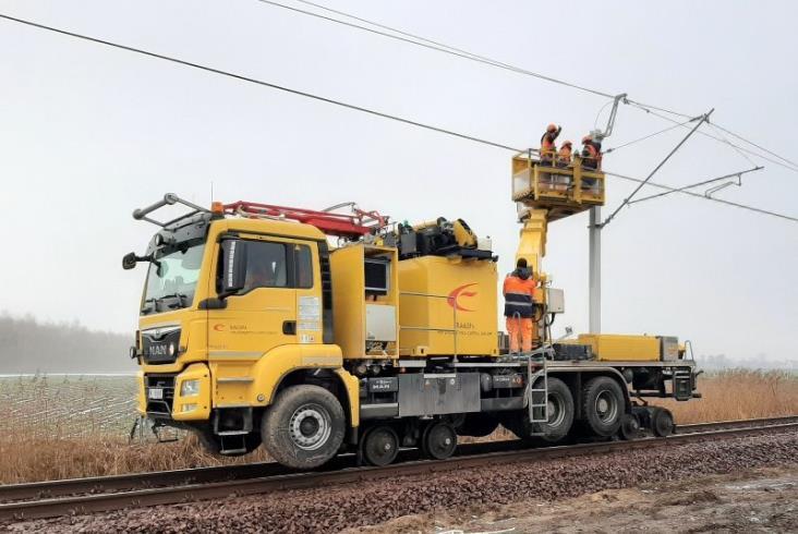 Modernizacja linii kolejowej na odcinku Ozorków – Łęczyca na półmetku [zdjęcia]