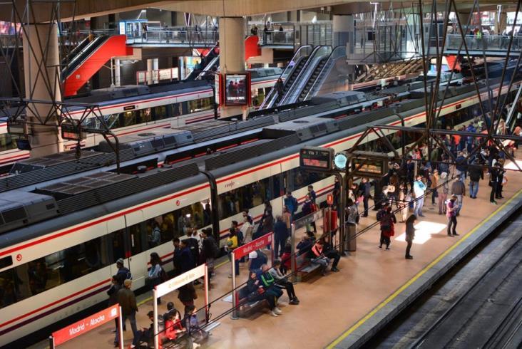 Największy kontrakt w historii Renfe. 2,5 mld euro dla Alstomu i Stadlera