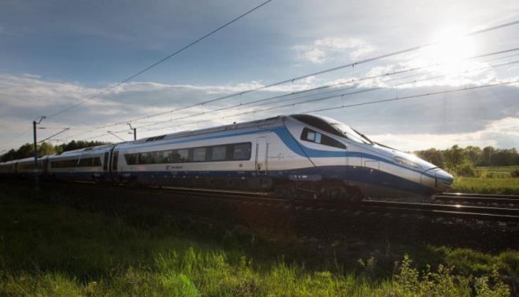 Adamczyk: W 2030 r. będzie prawie 200 tysięcy połączeń kolejowych