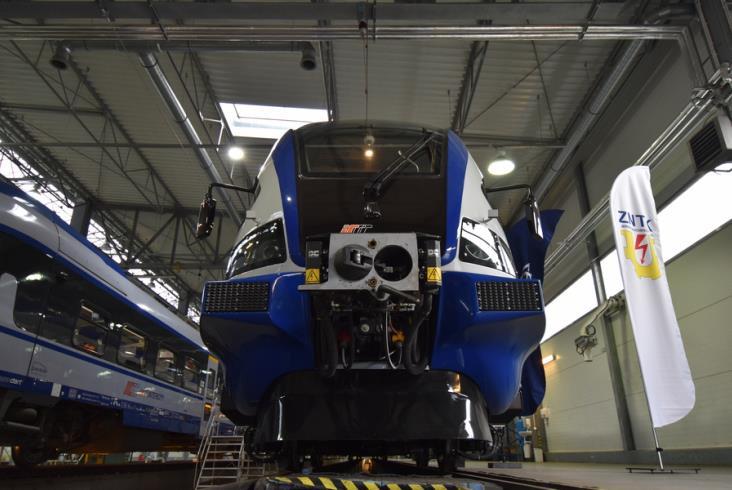 Na jakich trasach i kiedy zobaczymy pierwsze ED74 po modernizacji? [nowe zdjęcia]