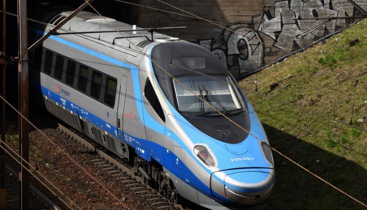 Honorowanie biletów PKP IC w warszawskim ZTM w wąskim zakresie. PKP Intercity wyjaśnia dlaczego