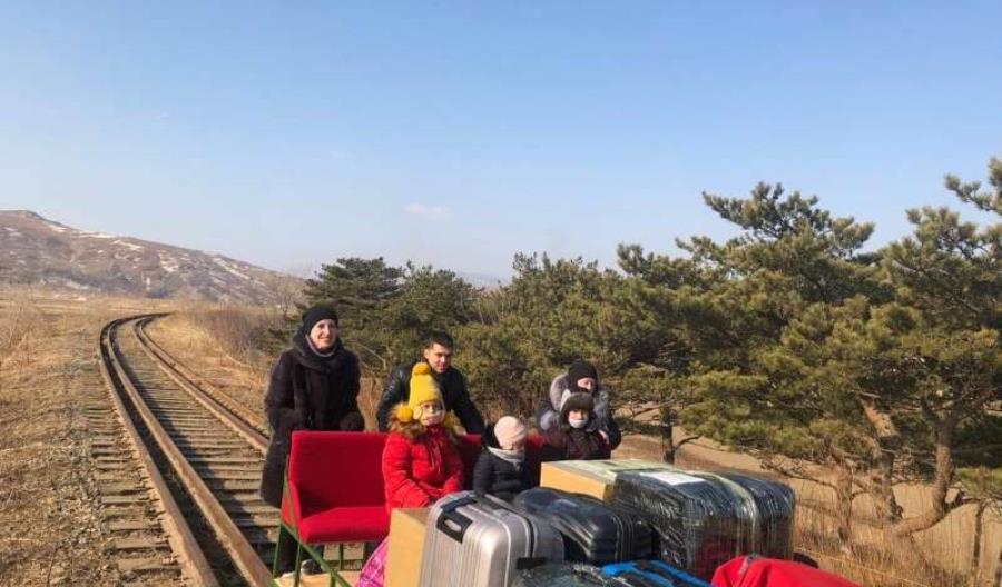 Rosyjscy dyplomaci drezyną wracali z Korei do ojczyzny