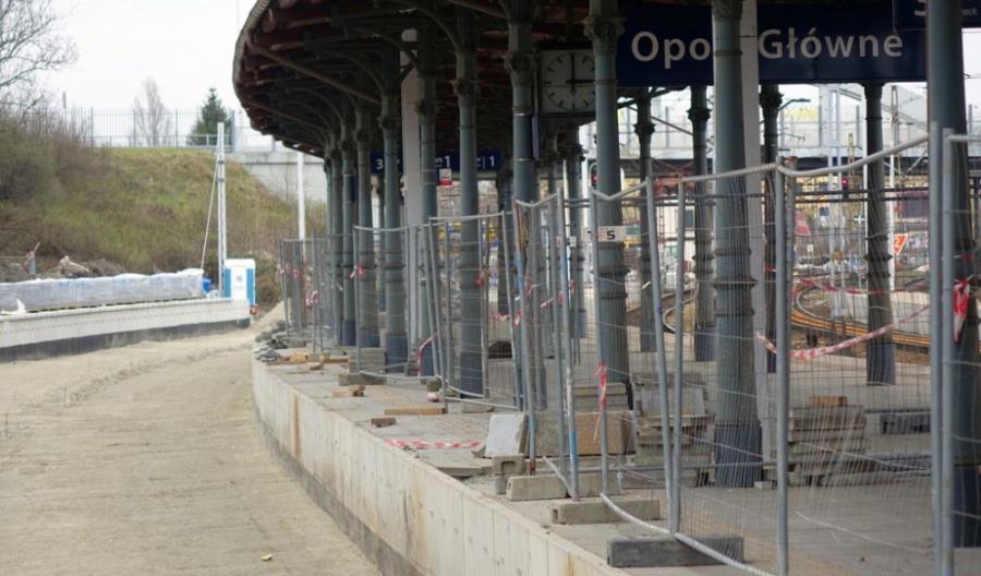 Opole Główne: Trwa budowa nowego peronu [zdjęcia]