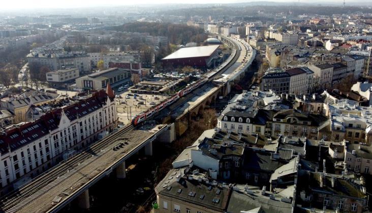 Koleją ponad ulicami Krakowa. PLK prezentuje postęp prac [zdjęcia]