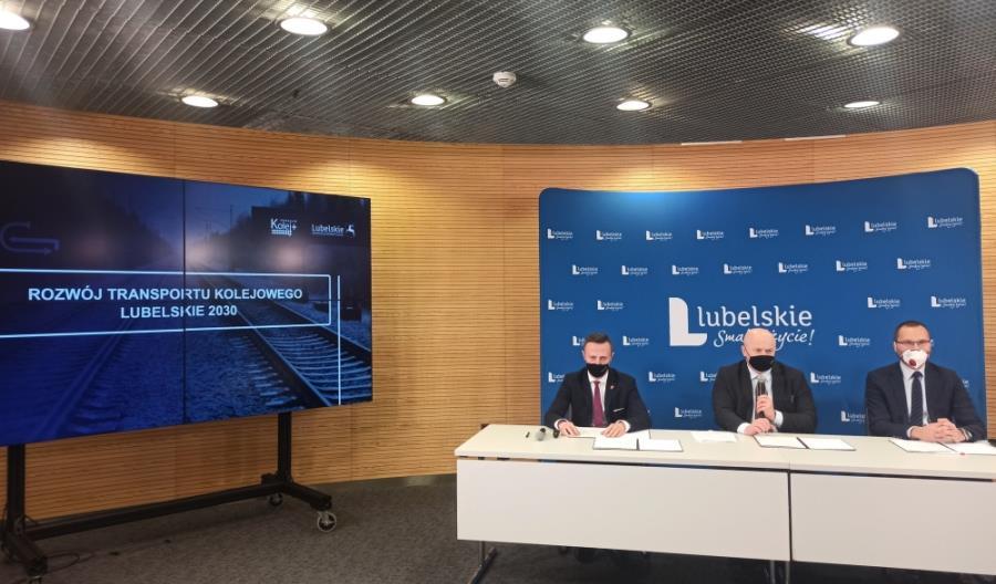 Lubelskie podpisało umowy na trzy studia projektów Kolej Plus