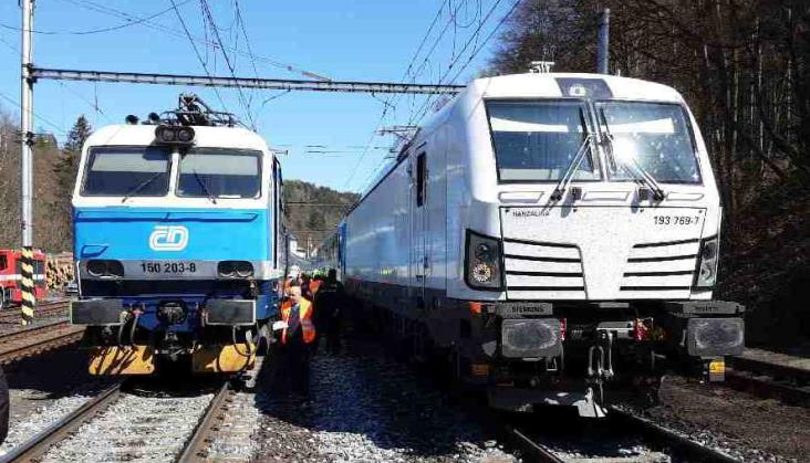 Pożar lokomotywy w pociągu Warszawa – Praga