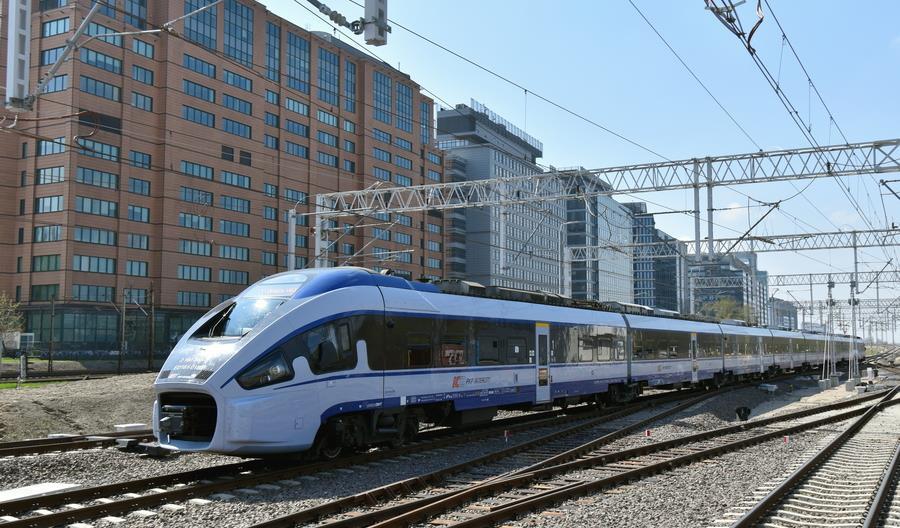 Pociągi PKP Intercity dojeżdżają do Warszawy Głównej [zdjęcia]