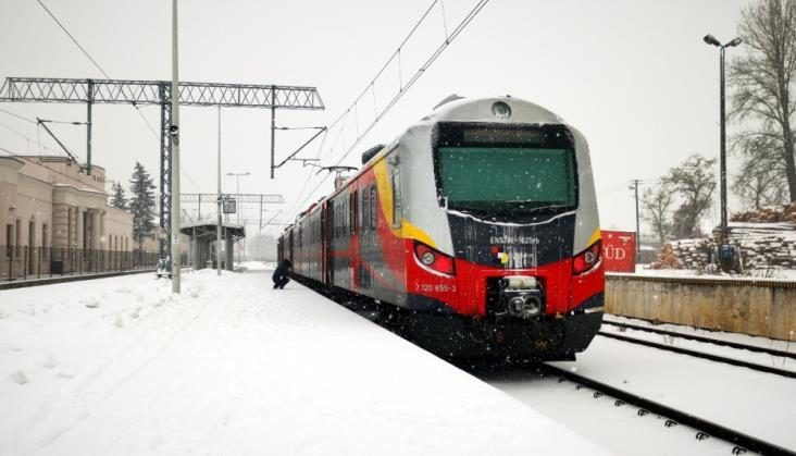 Łódzkie: Podzielenie relacji pociągów do Częstochowy wyszło pasażerom na dobre