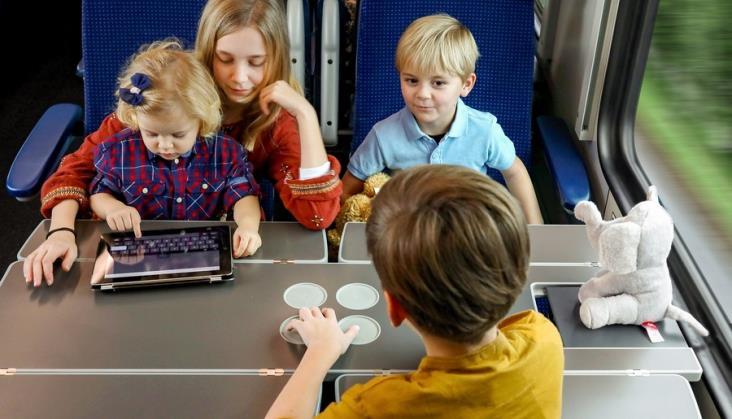 PKP Intercity: Rodziny coraz chętniej wybierają nasze pociągi