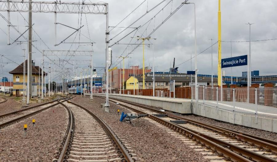 Postępuje przebudowa torów do portu w Świnoujściu [zdjęcia]