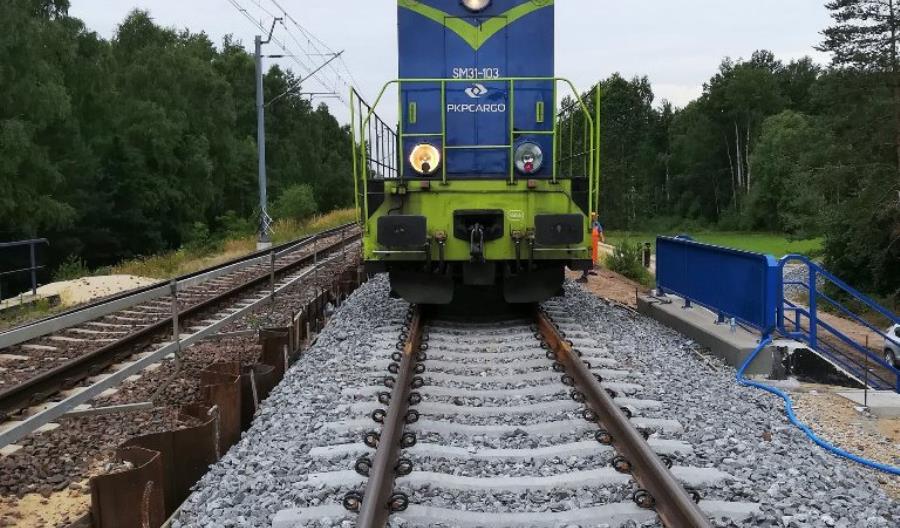 Nowe wiadukty i mosty na CMK sprawdziły ciężkie lokomotywy [zdjęcia]