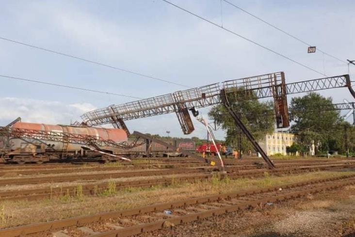Wykolejenie pociągu towarowego w Warszawie [zdjęcia]