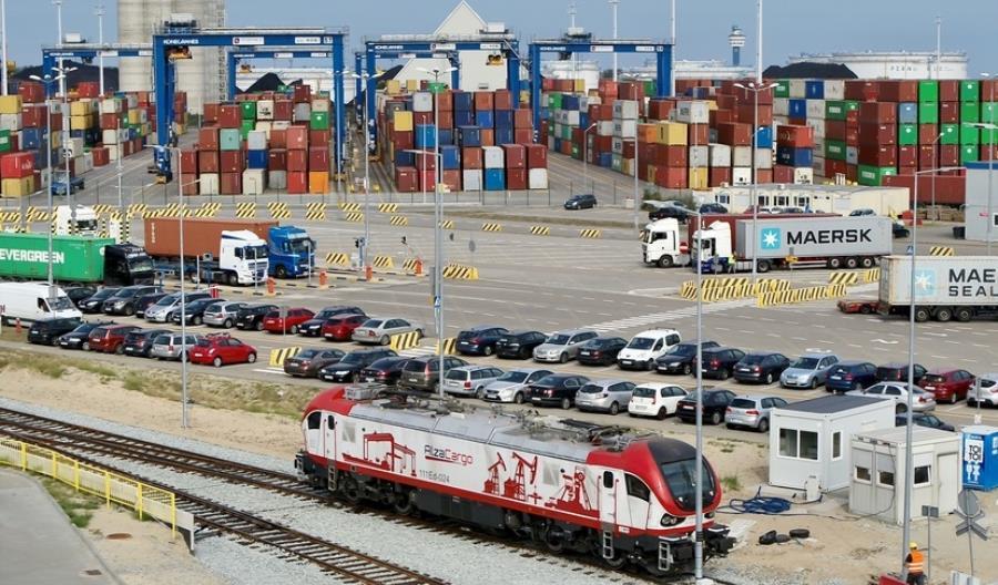 Pesa przekazała w terminie 12 lokomotyw Gama Marathon dla RCP [zdjęcia]