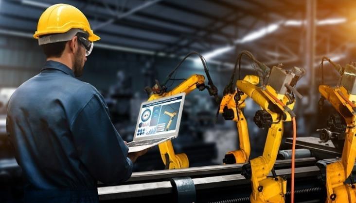 Roboty dla małych i średnich firm. Czy to się opłaca?