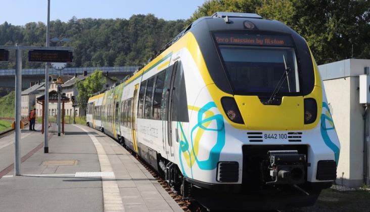 Alstom zaprezentował pociąg akumulatorowy